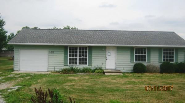 665 Tanner St, Louisville, Illinois