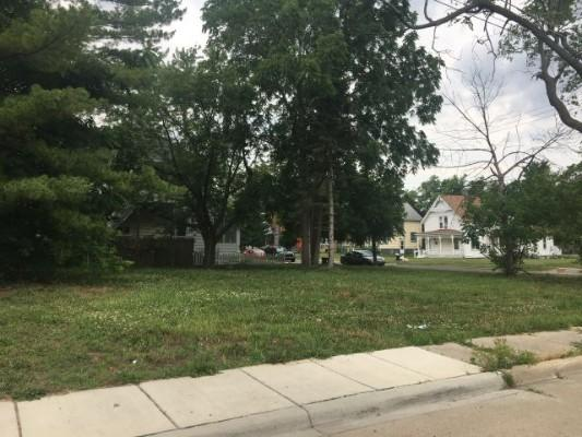 E 728 4th St, Monroe, Michigan