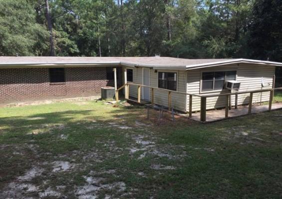 319 Teelinville Dr, Defuniak Springs, Florida