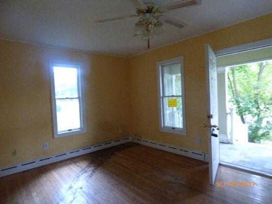 8 Edison Rd, Stewartsville, New Jersey