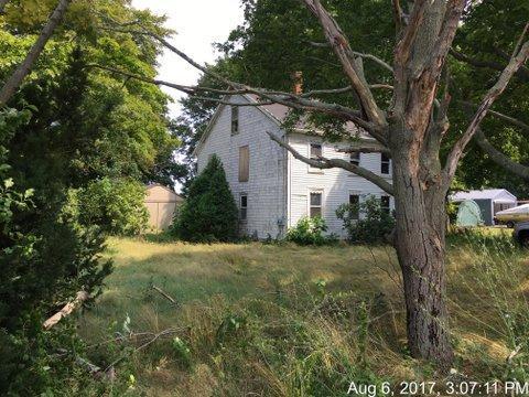 2622 County St, Somerset, Massachusetts