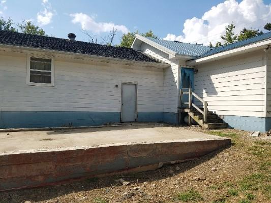 607 W 9th St, Bicknell, Indiana