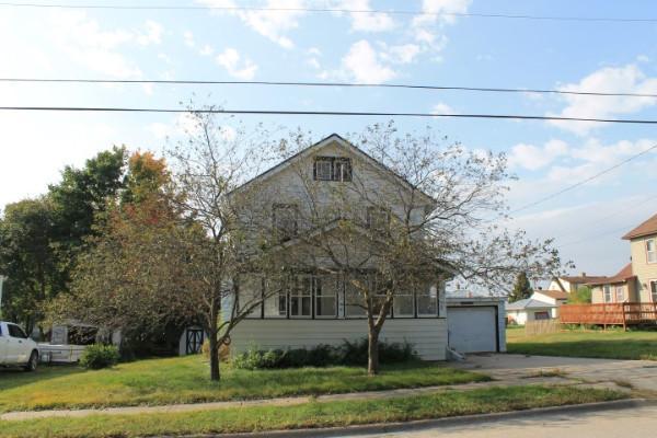 21 3rd Ave Ne, Waukon, Iowa
