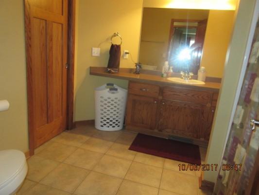 935 Barnes Lake Dr, Young America, Minnesota