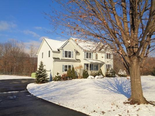 8 Cliffside Dr, Stewartsville, New Jersey