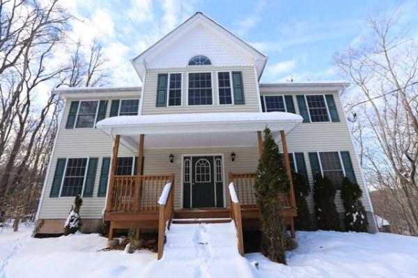 21 Winterthur Rd, Woodridge, New York