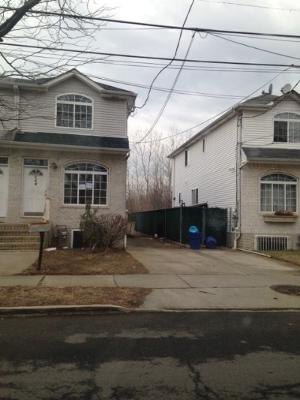 158 Holland Ave, Staten Island, New York