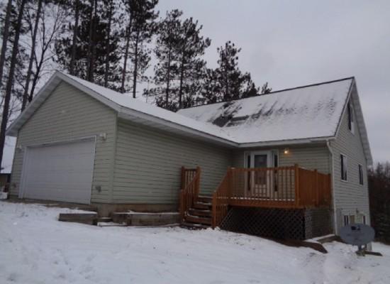 E2038 Waletta Drive, Waupaca, Wisconsin