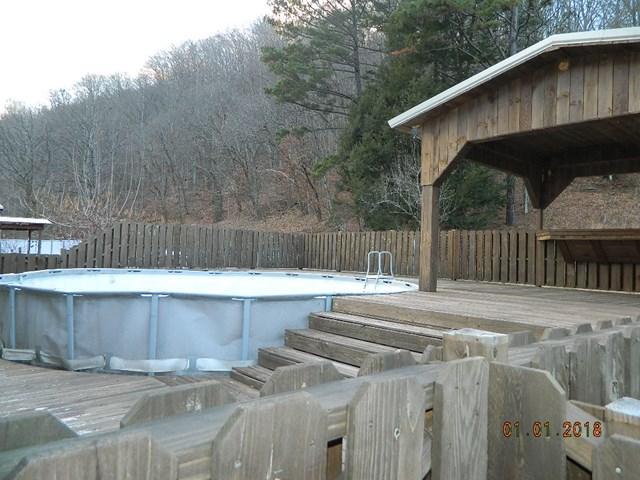 193 Lilly Addition, Chattaroy, West Virginia