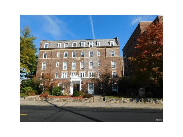 208 Centre Ave, New Rochelle, New York