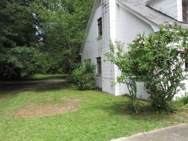 201 Saint Charles Rd, Bishopville, South Carolina