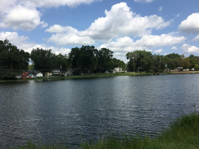 332 Highland Rd, Grayslake, Illinois