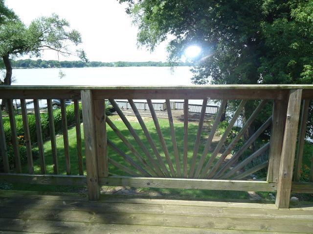 3923 E Lake Shore Dr, Wonder Lake, Illinois