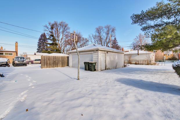 2247 S 15th Ave, Broadview, Illinois