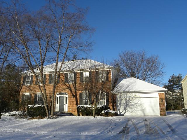 33934 Treeline Ct, Grayslake, Illinois