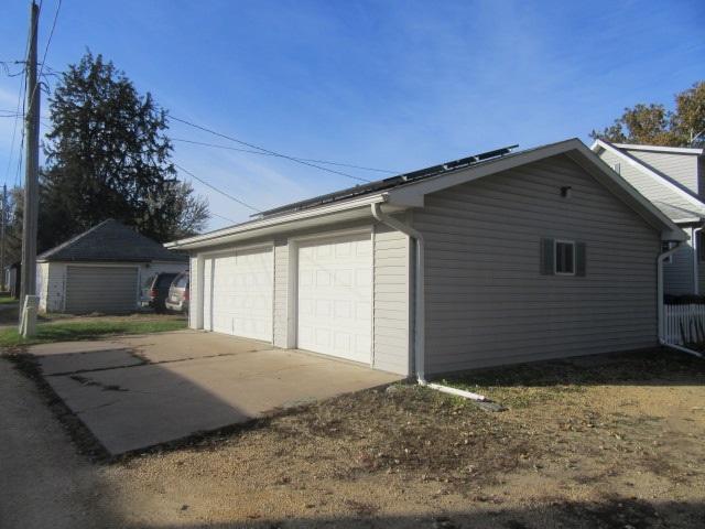 503 4th Ave N, Clinton, Iowa