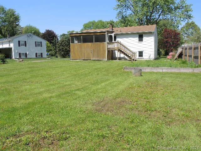 32 Woodside Ln, Plainville, Connecticut
