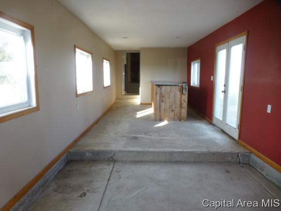 868 N 1200 East Rd, Taylorville, Illinois