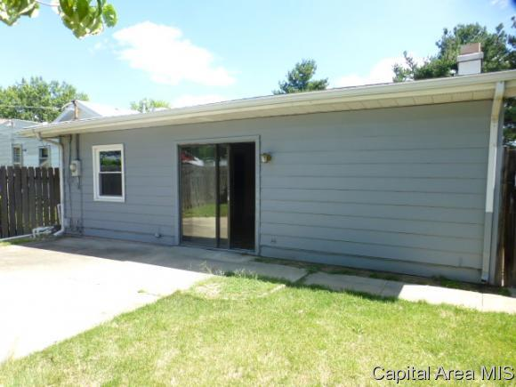 2421 S 15th St, Springfield, Illinois