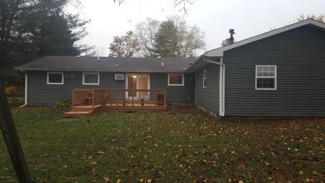 621 Circle Ridge Dr, Buchanan, Michigan