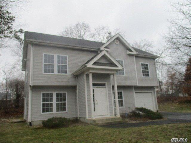 114 Joseph Ct, Bay Shore, New York