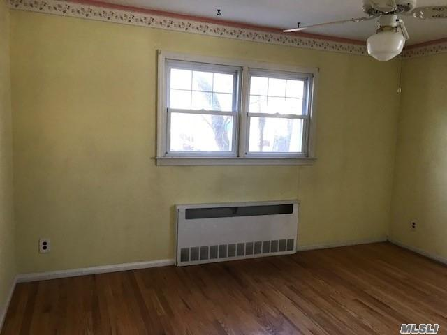 2395 7th St, East Meadow, New York