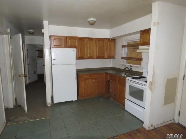 819 Mount Ave, Wyandanch, New York