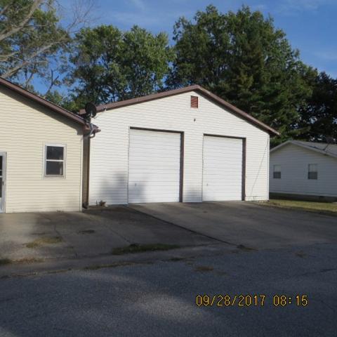 1000 S Hobson St, Harrisburg, Illinois