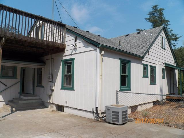 1704 E Main St, Medford, Oregon