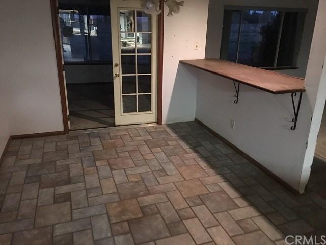 9876 Oxford Rd, Phelan, California