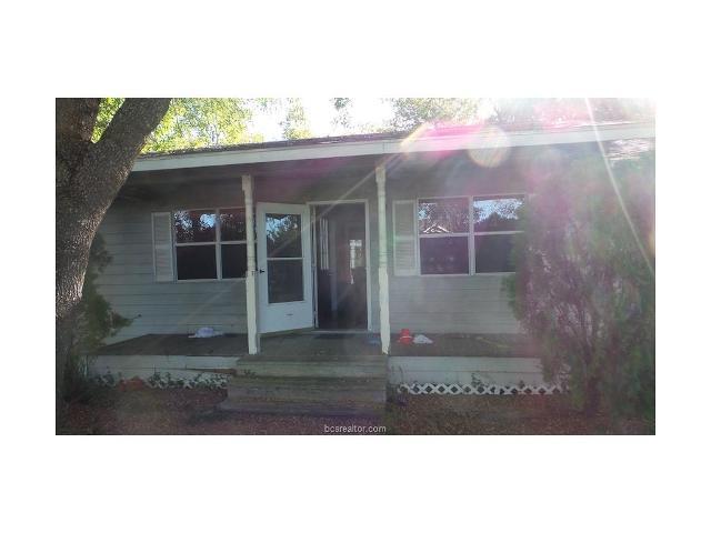 1417 Sycamore St, Hearne, Texas