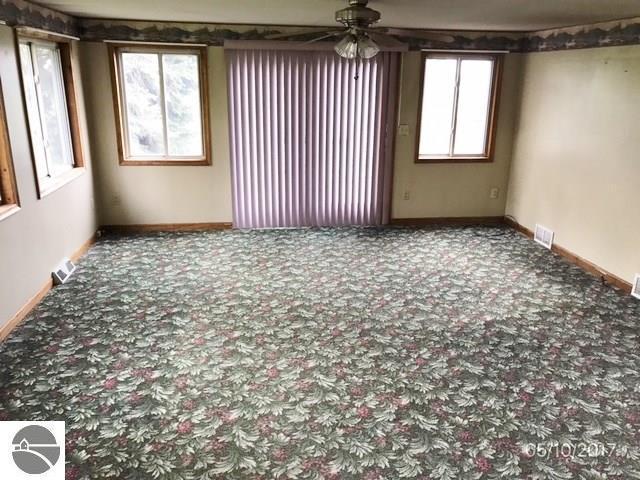 6853 N Caris Rd, Vestaburg, Michigan