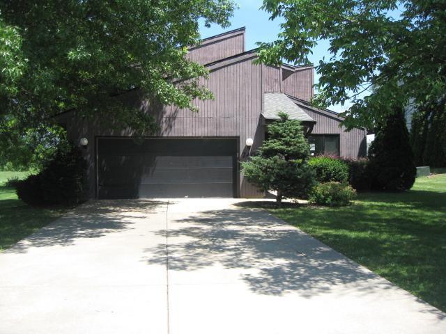 7404 N Radnor Rd, Peoria, Illinois