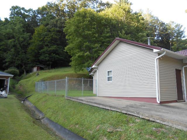 6606 Price Branch Rd, Danville, West Virginia