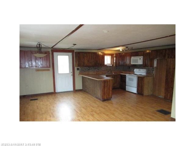 375 Dexter Rd, Saint Albans, Maine