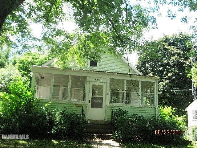 42 N Mernitz Ave, Freeport, Illinois